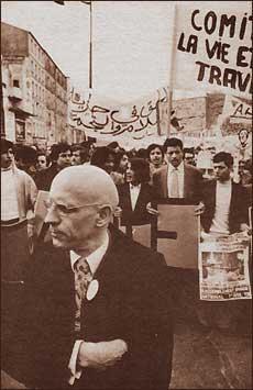 http://individual.utoronto.ca/bmclean/hermeneutics/photos/Foucault_in_protest.jpg