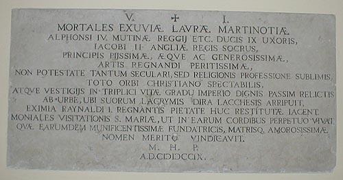 Monumento alla duchessa Laura di Modena